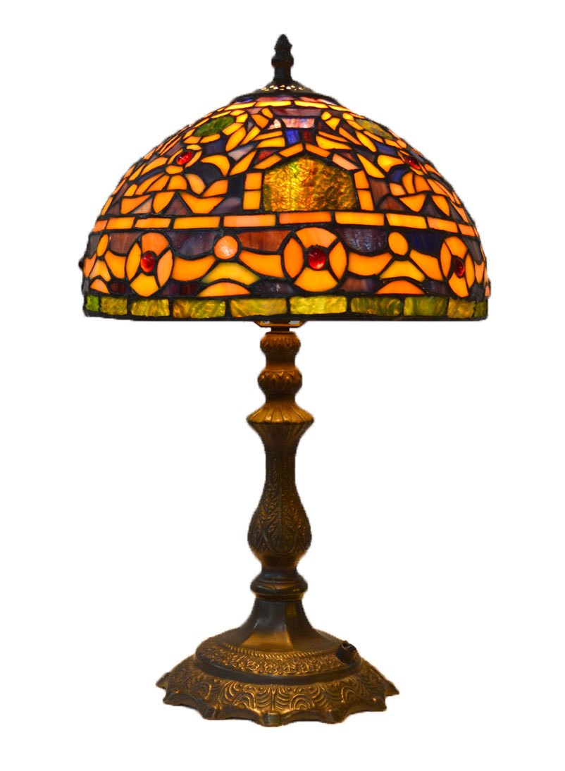 You are currently viewing Witraże i lampy Tiffany